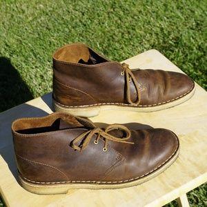 Like new Leather Gum sole Clarks Originals chukka